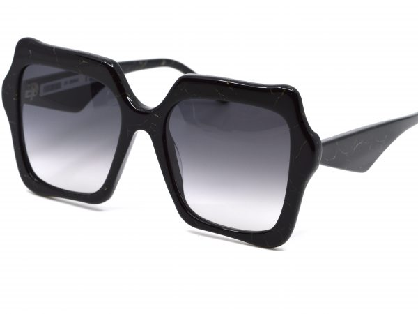 Laurence-D'ari-zonnebril-optiek-vermeulen-0220 (8)